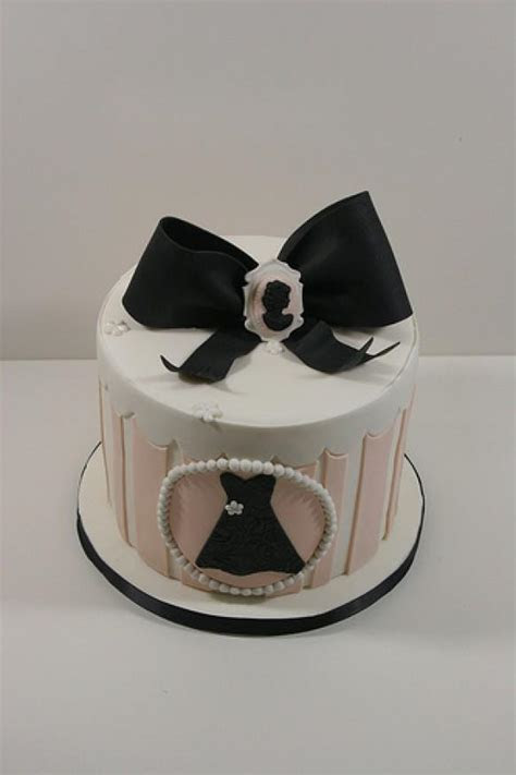 Vintage Wedding   Vintage Hat Box Style Cake #1987932