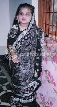 farheena in sari