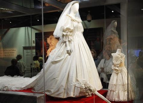 Diana's royal wedding dress on loan from Althorp Estate