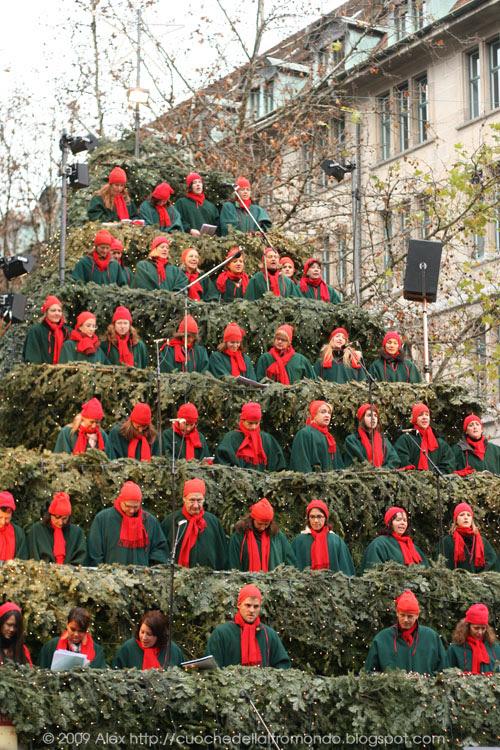Singing Christmas Tree a Zurigo