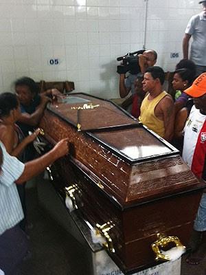 caixão (Foto: Egi Santana/G1)