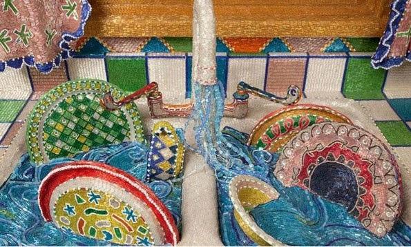 Perierga.gr - Διακόσμησε την κουζίνα με εκατομμύρια χάντρες!