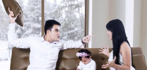 fb25a5132b7a0 لا يوجد بيتٌ يخلو من المشاكل الزوجية والتي تتسبب غالباً في تفكك الأسر ونشوء  صراعات نفسية عند كل من الزوجة والأولاد، فعصبية الزوج سببها الضغوط اليومية  ...