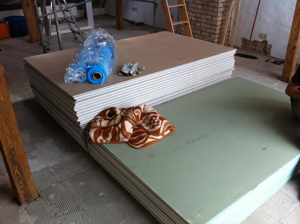 64 Gipsplatten (32x die Treppe hoch und runter)