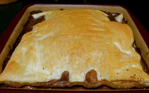 Steak and Mushroom Pie Recipe: A Yummy Comfort Food ...