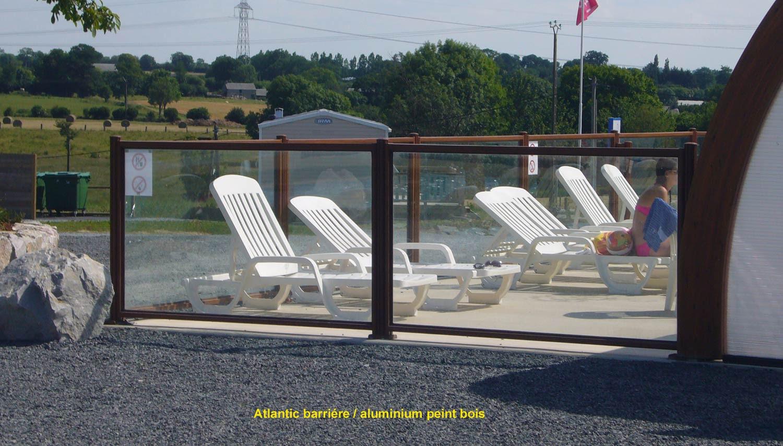 barriere piscine bois et verre. Black Bedroom Furniture Sets. Home Design Ideas