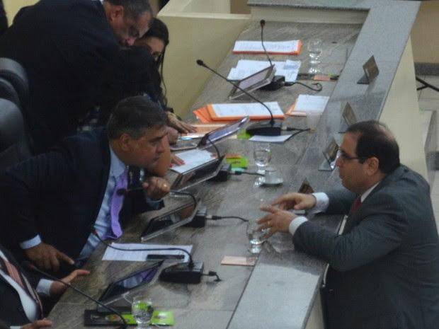 Michel JK (à direita) assumiu controle da Alap após retorno de Moisés Souza (Foto: Abinoan Santiago/G1)