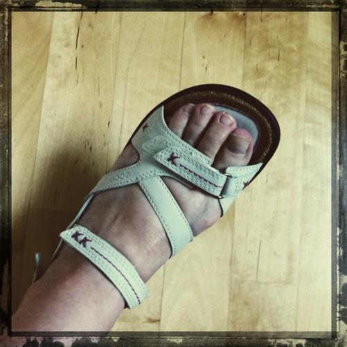 feet :: 6-7 :: nye sandaler