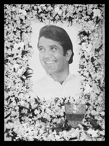 Goodbye Mr Rajesh Khanna - Shot By Marziya Shakir 4 Year Old by firoze shakir photographerno1