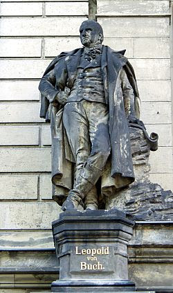 Berlin - Museum für Naturkunde - Leopold von Buch - Statue.jpg