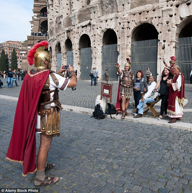 Photo souvenir gladiators who work at Rome's top tourist attractions have been banned by the city's new mayor