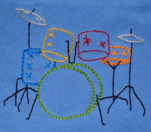 drum bib detail