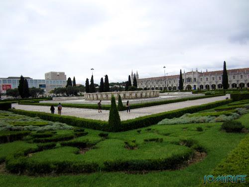 Lisboa - Jardim da Praça do Império (4) Fonte [en] Lisbon - Empire Square Garden - Source