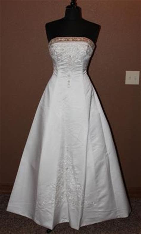 Alfred Angelo 1516, $300 Size: 12   Used Wedding Dresses
