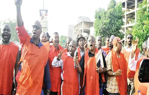 Recession: Oil Workers Go Spiritual As Massive Sack Hits 350000