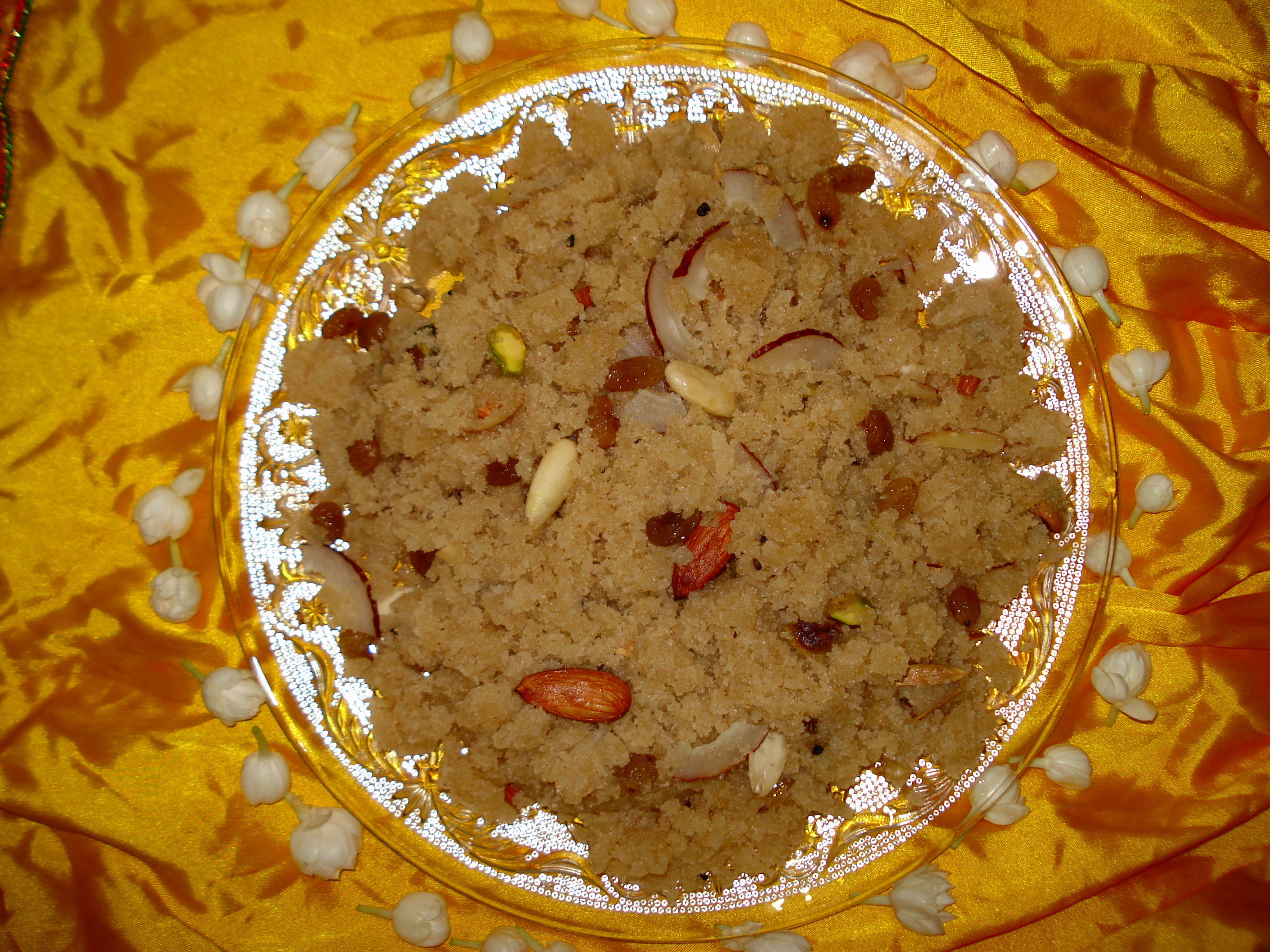 Cuisine of karachi suji ka halwa punjabi style punjabi halwa is an all time sweet dish of punjab cooked on eid shab e barat weddings it is liked by all age group especially by religious peoples forumfinder Images