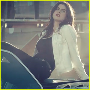 Alexandra Daddario Stars in White Reaper's 'Judy French' Music Video - Watch Now!