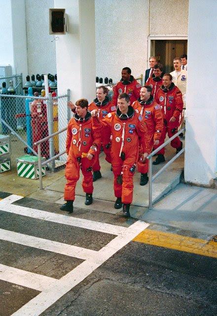 Apr26-1993-STS55preflight