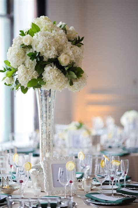 Wedding Wednesday: Emerald, White and Silver   Beautiful