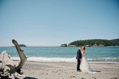 Whidbey Island Wedding: Ashley & Matt   Meredith McKee