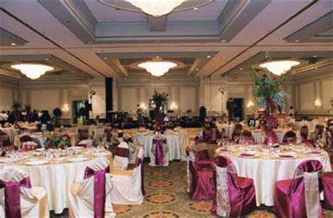 Helpful Seating Arrangement Tips and Etiquette for Weddings