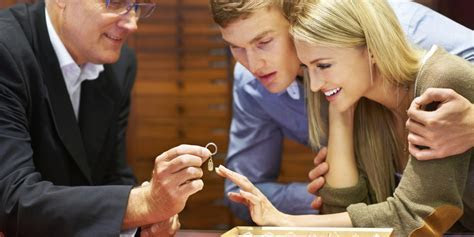 The Appraiser's Guide to Purchasing an Engagement Ring