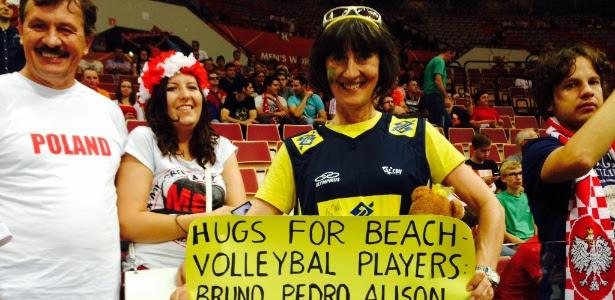 Polonesa viaja 9 horas e é apaixonada pelo time de vôlei do Brasil