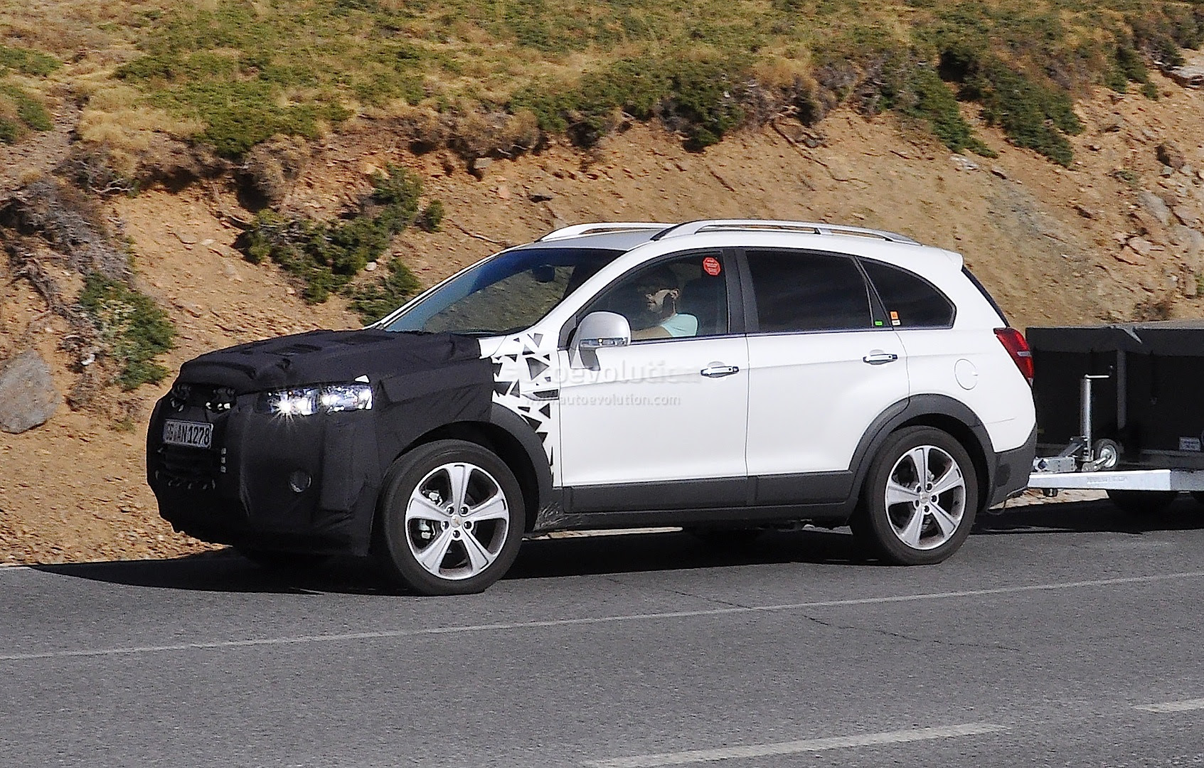 2015 Chevrolet Captiva Opel Antara Facelift Spied Autoevolution