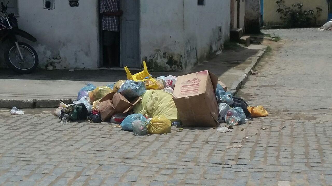 Resultado de imagem para lixo na rua
