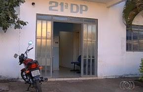 Juíz ordena a interdição do 21º Distrito Policial de Goiânia, Goiás (Foto: Reprodução/ TV Anhanguera)
