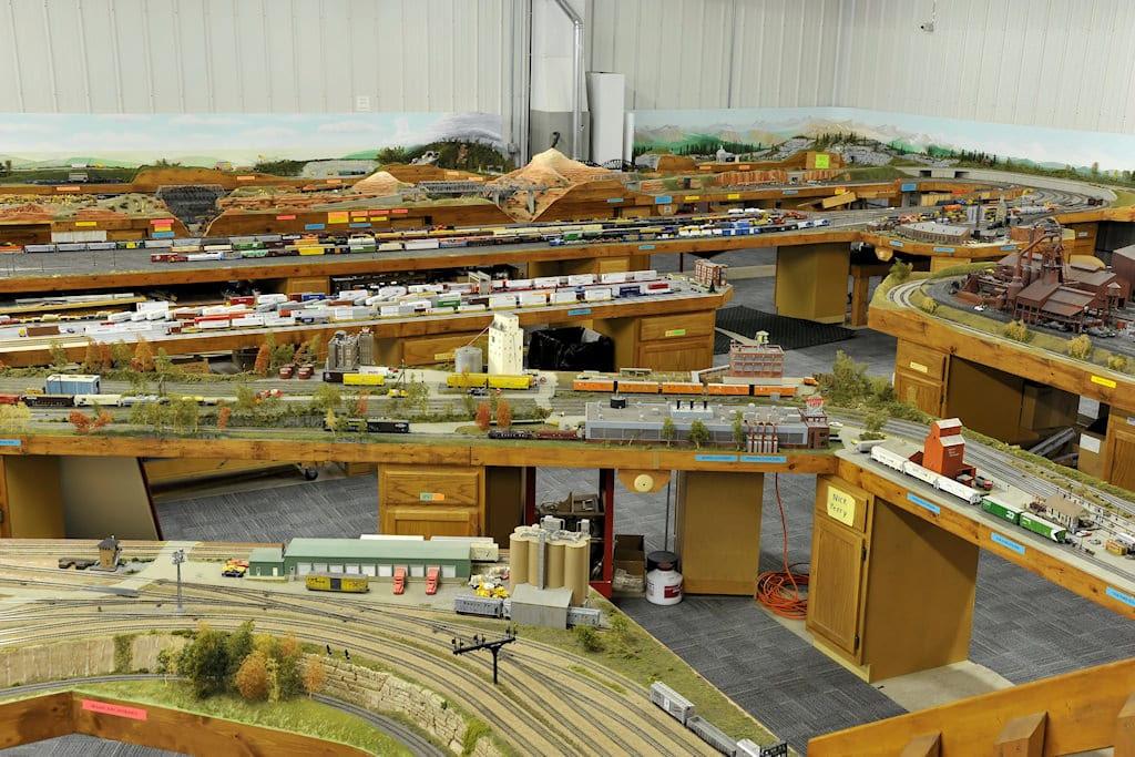Jepalo Model Train Track Layout Union