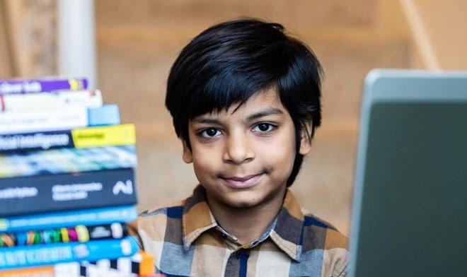 Семилетний Каутилия Катария стал самым юным сертифицированным программистом в мире