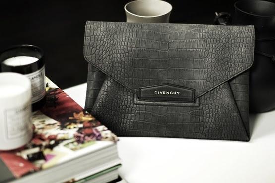 Black stunning Clutch! #Givenchy #bag SHOP ONLINE @ LIDISHOPPING.IT