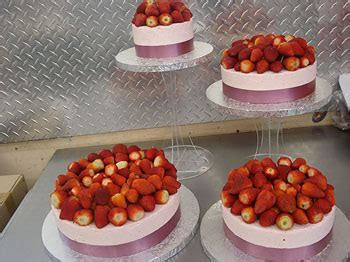 Cake Town Cake Makers / Wedding Cakes, Classic Bakery