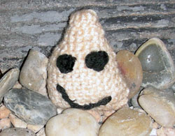 crochet amigurumi pet-rock