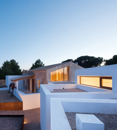Can Manuel Den Corda H150 Best Minimalist House Ideas 2014