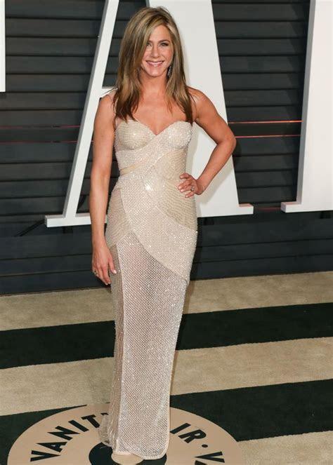 Jennifer Aniston Wedding Dress   celebrity    Pinterest