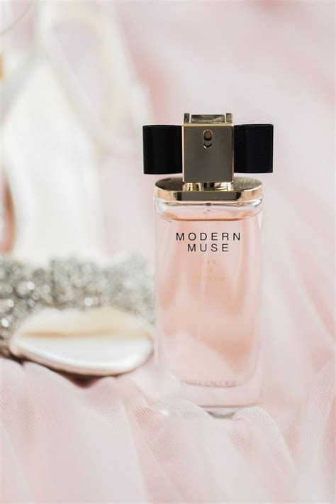 For the bride  Your wedding day perfume   Modern