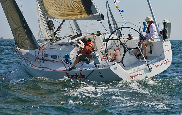 J/122 RESOLUTE sailling the Bermuda Race