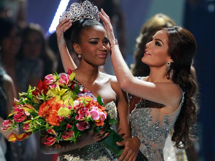 Vencedora do Miss Universo 2011, que aconteceu em São Paulo, nesta segunda-feira (12), Leila Lopes conquistou os brasileiros e desbancou as outras 88 candi...