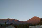 Cuaca Ekstrem, Puluhan Pendaki dari Gunung Gede Pangrango Diturunkan