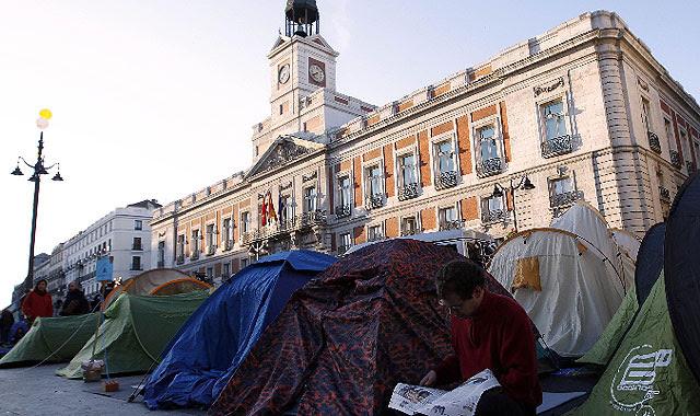 Crece la acampada en la Puerta del Sol.| Reuters