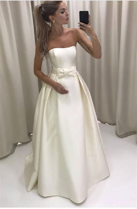 Best 25  Satin wedding gowns ideas on Pinterest   Wedding