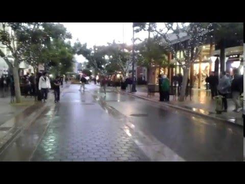 video que muestra a un hombre haciendo un SuperMoonWalking
