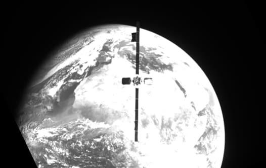 La nave espacial robótica MEV-2 de Northrop Grumman, por primera vez, captura un satélite Intelsat activo
