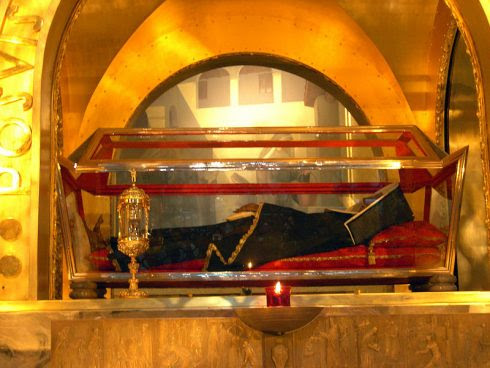 Saint Rita's incorrupt body at her tomb at Cascia.
