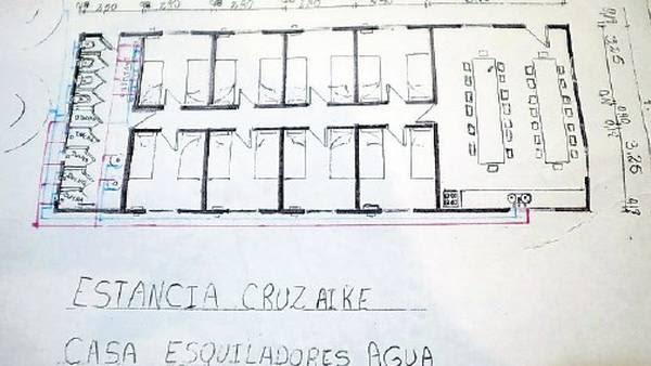 Ovejas. La casa de los esquiladores en la estancia Cruz Aike.
