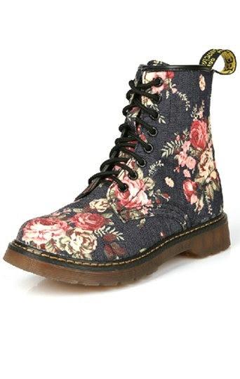 Retro Floral Print Martin Boots