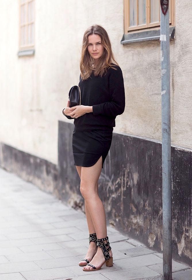 Le Fashion Blog Caroline Blomst All Black Knit Curved Hem Skirt Chain Bag Studded Isabel Marant Sandals Summer Date Night Out Style Via Carolinesmode