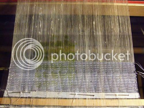 loom controled shibori